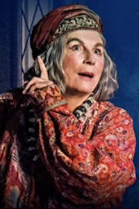 Blithe Spirit at Richmond Theatre, Outer London